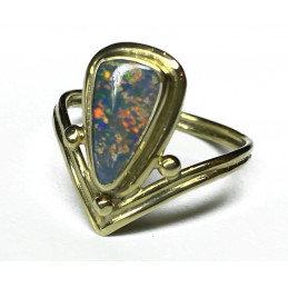 Black opale 18 ct ring