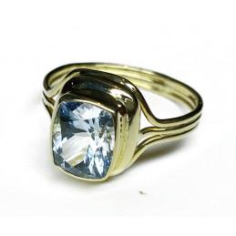 Aquamarine 18 ct gold ring